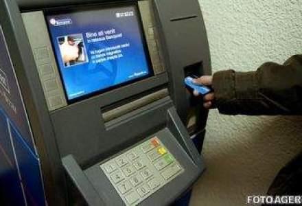 ANPC: Bancile trebuie sa afiseze pe ecranele bancomatelor comisioanele pentru fiecare operatiune