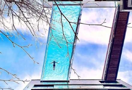 Londonezii înoată la înălțime. Cum arată piscina care leagă doi zgârie-nori