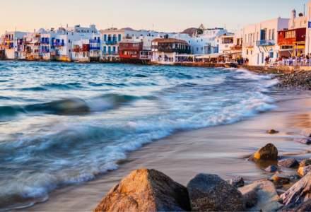 Toți grecii de peste 30 de ani vor fi vaccinați până la sfârşitul lunii mai