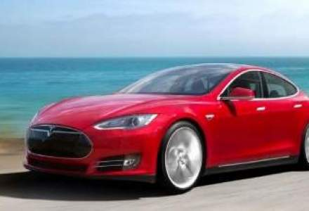 Cererea pentru masini electrice Tesla a crescut in America, dealerii auto clasici au intrat in panica