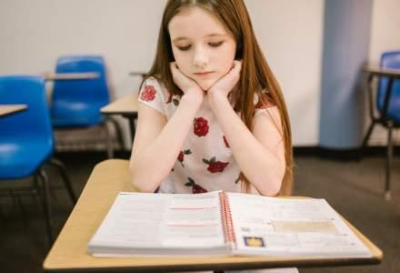 Efectele analfabetismului funcțional: Elevii români sunt sub media OECD la în privința citirii și înțelegerii unui text