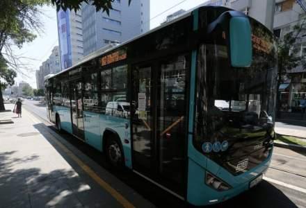 Circulaţia unor autobuze, extinsă pe parcursul nopţii, pentru maratonul vaccinării anti-COVID