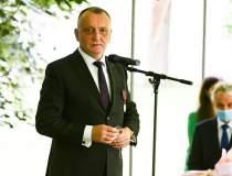 Sorin Cîmpeanu: Masca nu va...