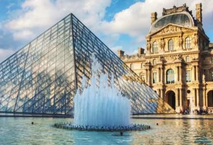 Franţa redeschide terasele şi muzeele, New Yorkul renunţă la purtarea măştii