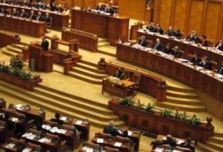 Proiectul de schimbare a Codului muncii, depus la Senat; modificarile vizeaza si salariile