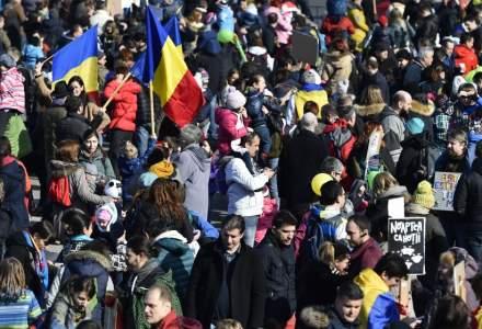 Protest împotriva Legii combaterii pandemiei de COVID-19, în contextul în care CCR discută sesizări pe actul normativ