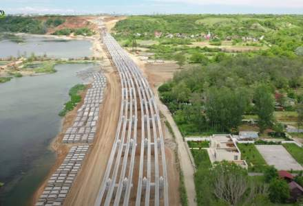 GALERIE FOTO: Cum arată Drumul expres Craiova-Piteşti, în zona traversării peste Olt