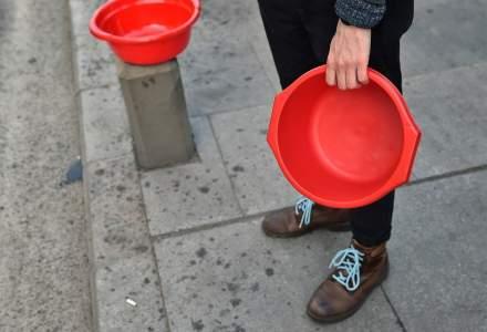 Avariile continuă: Zeci de mii de bucureșteni nu au apă caldă și se spală la lighean