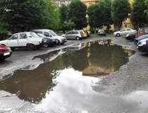 Găsirea unui loc de parcare,...