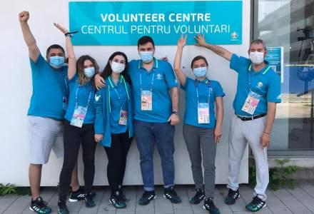 Reportaj EURO 2020: Ce fac voluntarii care muncesc pentru organizarea meciurilor de la București