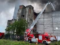 [FOTO] Incendiu major la...