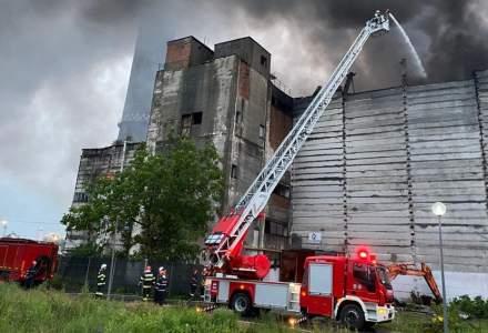 [FOTO] Incendiu major la Incineratorul de la Brazi