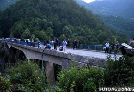 Un roman a murit, iar cinci sunt raniti grav dupa ce un autocar a cazut intr-o rapa in Bulgaria