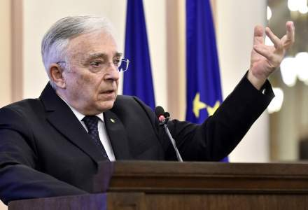 Mugur Isărescu: BNR a luat măsuri decisive pentru atenuarea crizei sanitare
