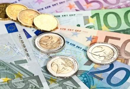 Cursul anuntat de BNR a variat nesemnificativ si se mentine usor peste 4,40 lei/euro
