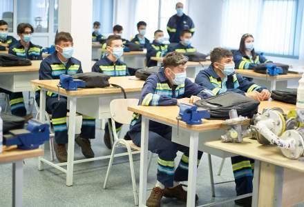 54 de tineri instalatori, angajați de ENGIE România după ce au urmat cursuri de formare în cadrul companiei