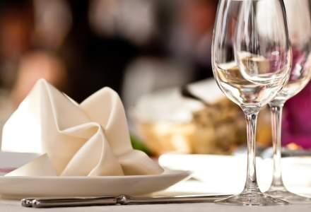 Pandemia a mușcat 35% din afacerile hotelurilor și restaurantelor