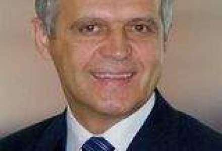 Nicolae Danila si un recruiter predau in programul de MBA al University of Wales