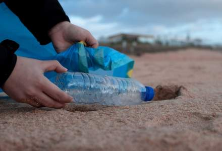"""""""Plătești cât arunci"""": Proiect de lege care prevede taxe MARI pentru cei care nu reciclează"""