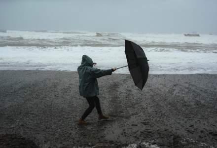 NEWS ALERT: Cod ROȘU de furtuni la malul mării