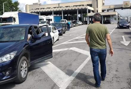 Cozi uriașe de mașini la intrarea în Grecia. Turiștii români așteaptă cel puțin o oră la graniță