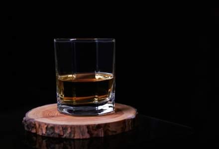 "Doi antreprenori din Silicon Alley au inventat whisky-ul ""rapid"". Gust clasic obținut în doar câteva luni"