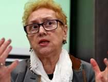 CCR: Renate Weber își reia...