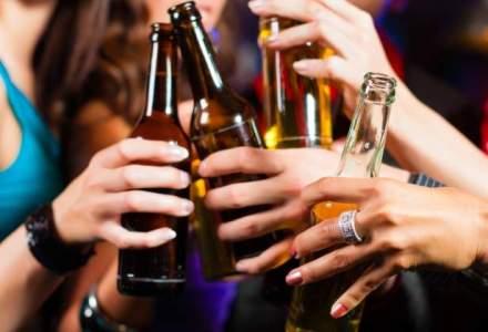 Berarii vor cu disperare sa le convinga pe femei sa bea mai multa bere: cele mai interesante lansari