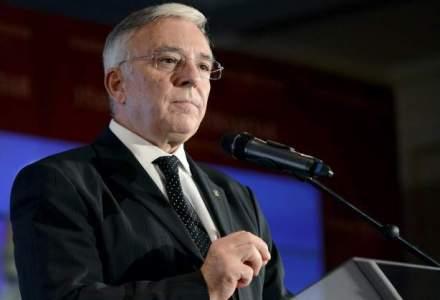Noua conducere a BNR si-a inceput mandatul: adoptarea euro, printre obiective