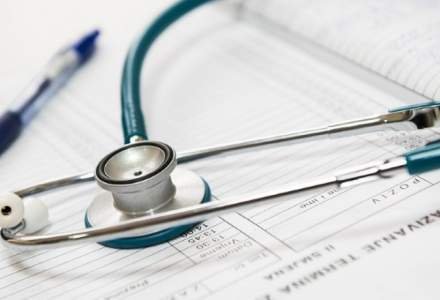 Sindicat: Obligarea la testarea periodică, pe costurile personale, a lucrătorilor din sănătate care au imunitate constituie un abuz