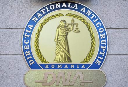 Un director de la Ministerul Transporturilor a fost reținut de DNA pentru luare de mită