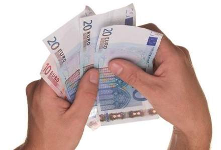 Burse pentru avocatura: 200 de euro lunar pentru studentii a trei facultati de drept din tara