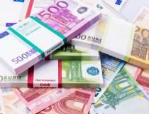 Euro atinge un nou record...