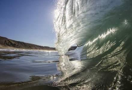 """Ce trebuie sa faca investitorii pentru a naviga """"tsunami-ul"""" de pe burse?"""