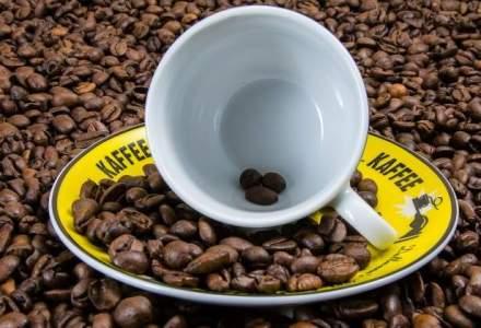 Un celebru lant de cafenele va permite clientilor sa comande si sa plateasca de pe mobil inainte sa isi ridice cafeaua. Cum vi se pare?