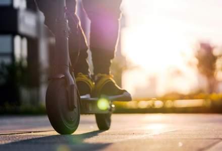 Sutele de accidente cu trotinete electrice împing o țară europeană să interzică închirierea lor pe timpul nopții