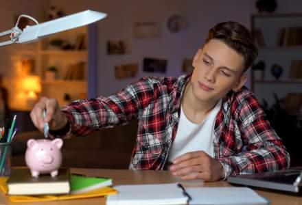 Trei sfaturi financiare de la un trainer UniCredit Bank pentru adolescenții români