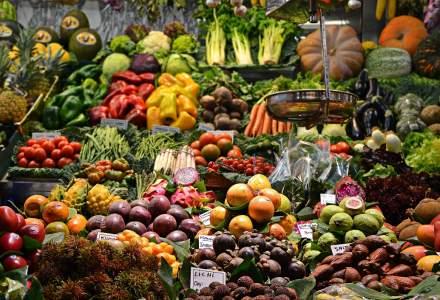 Aproape jumătate din alimentele produse se aruncă la nivel global, în timp ce sute de milioane de oameni suferă de foamete