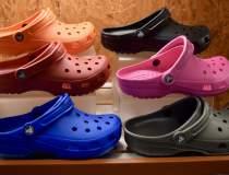 Popularitatea Crocs a dat...