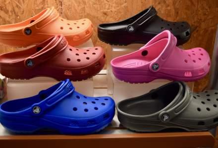 Războiul Crocșilor | Popularitatea Crocs a dat naștere unei invazii de produse contrafăcute
