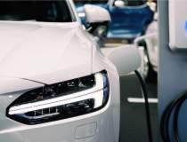 Vânzările de mașini electrice...