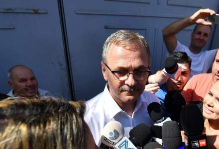 Liviu Dragnea, adus la DNA. Susținătorii acestuia i-au atacat cu iaurt și ouă pe contestatarii fostului șef al PSD