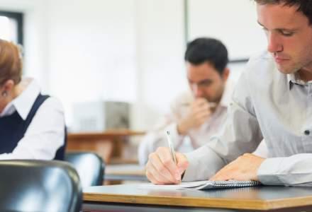 Sub jumătate dintre profesorii înscriși la titularizare au luat nota necesară încadrării pe perioadă nedeterminată
