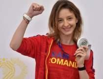 Ana-Maria Popescu își cere...