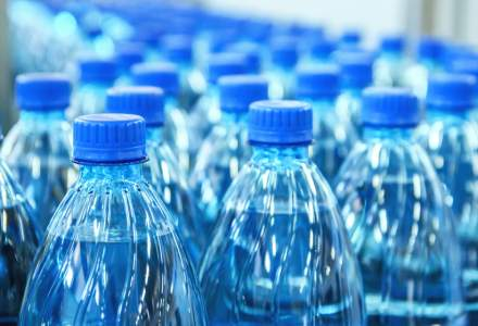 Comercianți de sucuri și apă, amendați de ANPC: ce nereguli au fost identificate