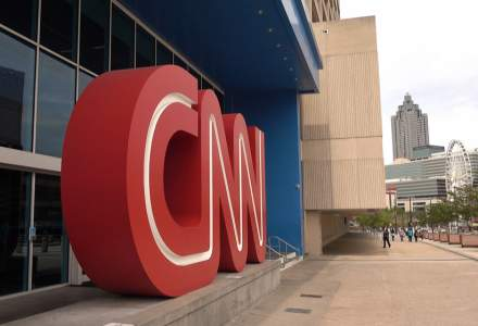 CNN a concediat trei angajați care au venit la redacție nevaccinați