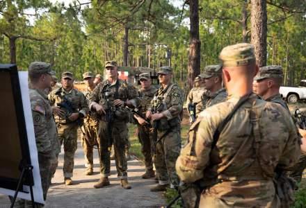 Vaccinarea anti-COVID devine obligatorie pentru militarii din armata americană