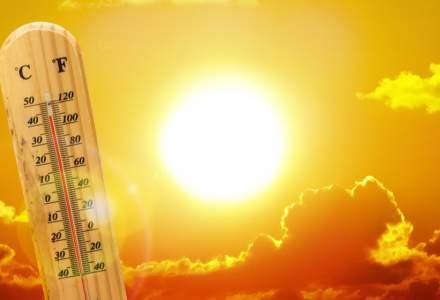 """Canicula se intensifică din nou. Meteorologii spun că este """"vara extremelor"""""""