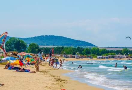 """Comercianții de pe litoralul bulgăresc plâng după turiștii străini cu dare de mână: """"Românii nu cumpără nimic"""""""