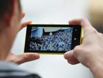 Primul smartphone Lumia a...